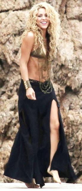 Foto de Shakira con cabello ondeado