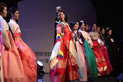 A picture of a regional fashion event.