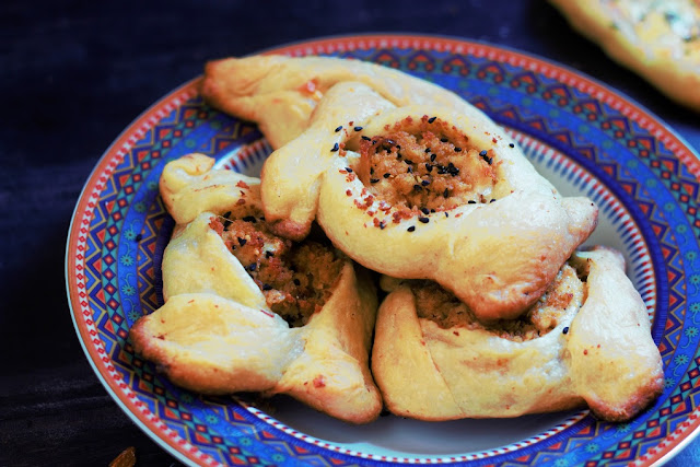 A deliciously fulfilling fatayer recipe Chicken Fatayer recipe