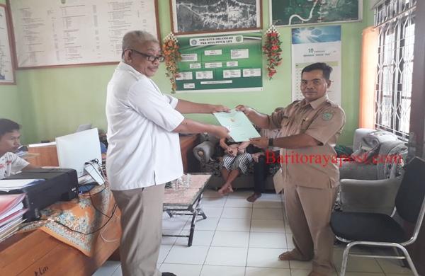 Tim ATR BPN Pulpis Menyerahkan Sertipikat PTSL 2019 Ke Desa Tuwung