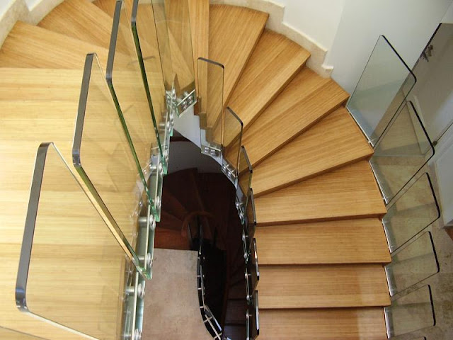 cầu thang gỗ lan can kính - mẫu số 2