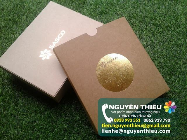 Công ty sản xuất hộp quà tặng theo yêu cầu, sản xuất hộp đựng quà tặng cao cấp