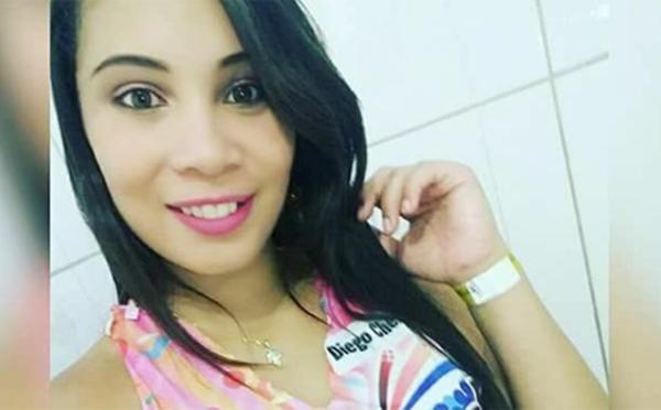 noticias de Vitoria da Conquista : Morre aos 19 anos de idade a jovem Bethânia Gomes.