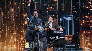 dharmendra and manish paul recreate 'Sholey' song 'ye dosti hum nahi tedonge'