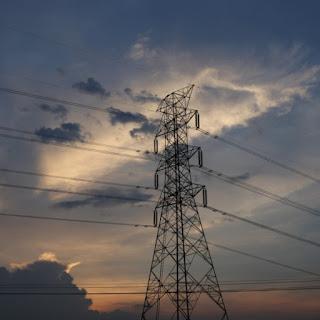 L'augmentation de la température réduit la capacité des lignes électriques