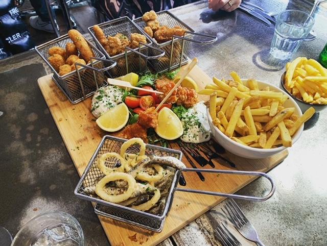 Frutti di mare platter board for sharing