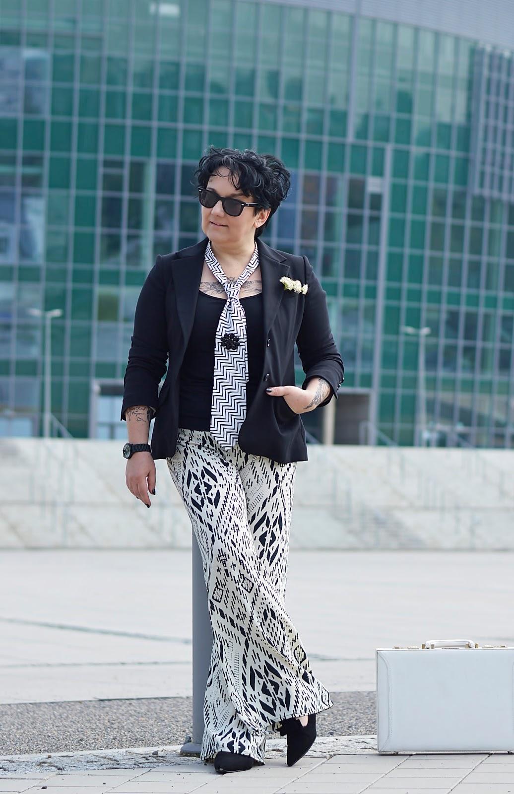 black and white, baggy pants, palazzo pants, szerokie spodnie
