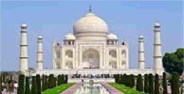 Taj Mahal is a historical building essay