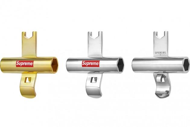 supreme ss13 gadgets 7 630x420 - Supreme - Acessórios (Primavera/Verão 2013)