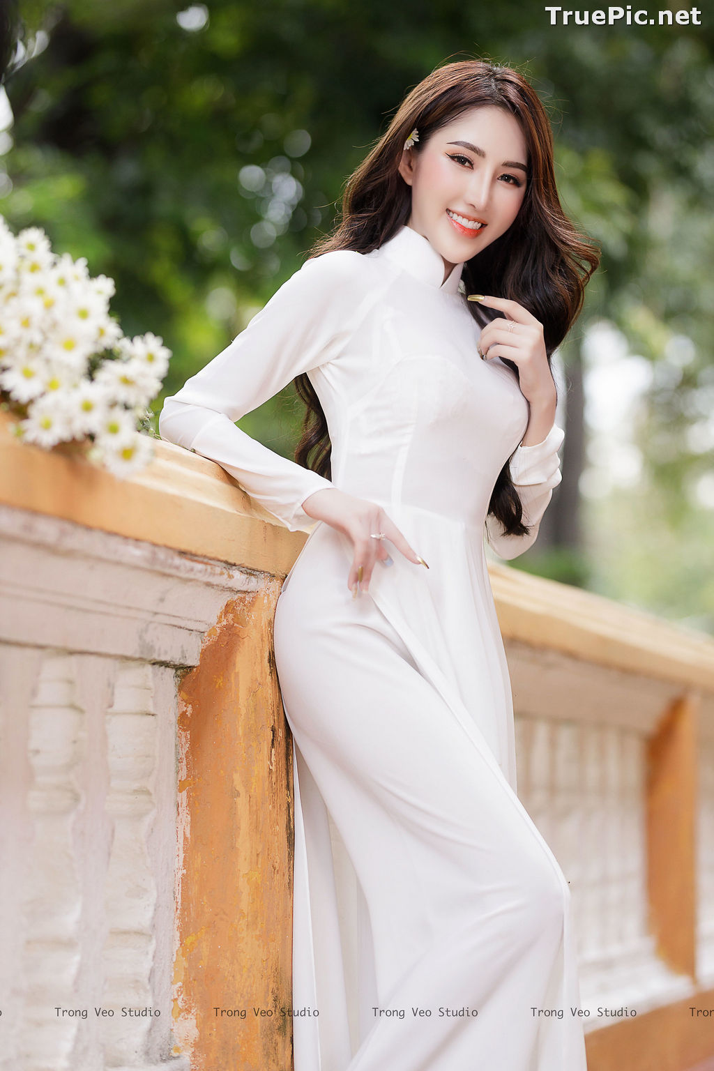 Image The Beauty of Vietnamese Girls with Traditional Dress (Ao Dai) #3 - TruePic.net - Picture-4