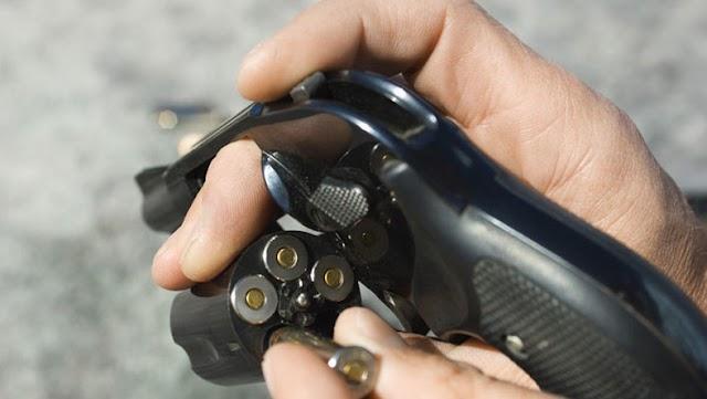 Tragédia Siófokon: fejbe lőtte magát egy férfi a rendelő előtt