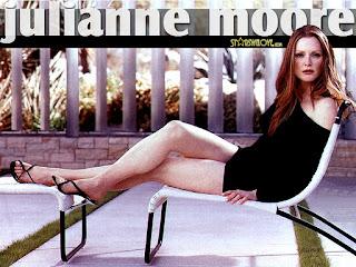 Julianne Moore Sexy Legs Show