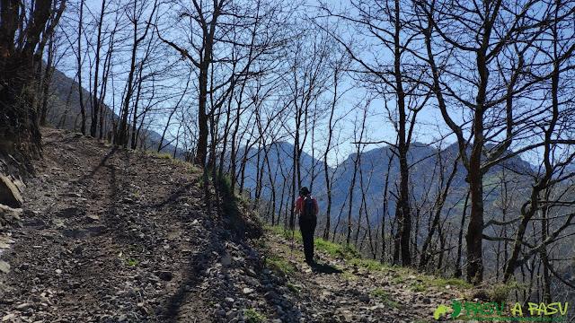 Cruce de caminos próximos a El Ceñal