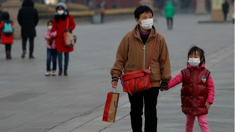 Apakah Virus Corona Menular Lewat Barang Buatan Cina?