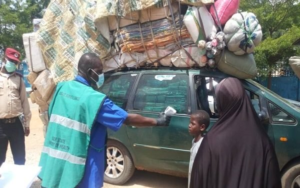 COVID-19: FRSC Intercepts two Overloaded Vehicles from Kano