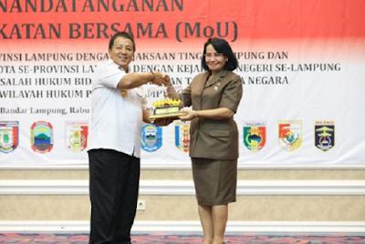 Gubernur dan Kepala Daerah Kab/Kota se-Lampung Tandatangani MoU dengan Kejaksaan