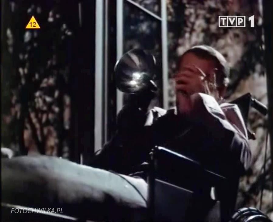 Okno na podwórze - Alfred Hitchcock. Film z James Stewart.