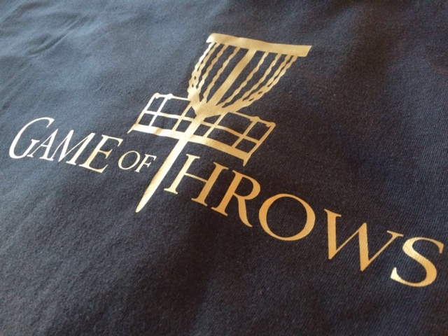 Game of Throws shirtdesign by skizzeria.at Gold