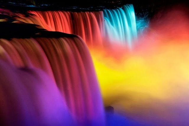 Festival de luzes de inverno nas Cataratas do Niágara