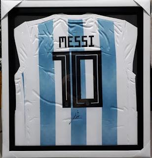 Jersey Lionel Messi No 10 Argentina Tanda Tangan Messi Bersertifikat MSS002
