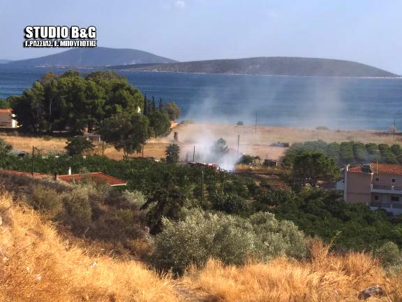 Πυρκαγιά στη Πλάκα Δρεπάνου στο Ναύπλιο