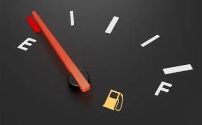 يوجد منحيين لفهم موضوع استهلاك البنزين و ضبطه بشكل دقيق الأول أسباب عامة لا علاقة لها بعطل محدد في السيارة و الثاني نتيجة وجود خلل ما يؤدي لذلك