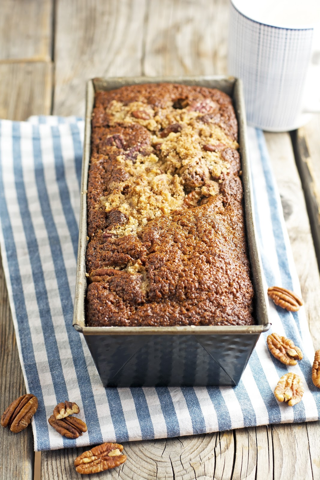 Cinnamon Pecan Crunch Banana Bread