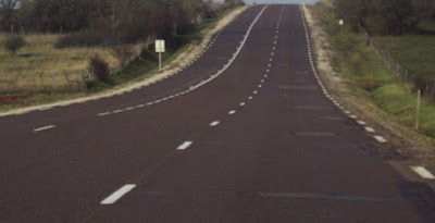 التجاوز في طريق ذات ثلاث ممرات