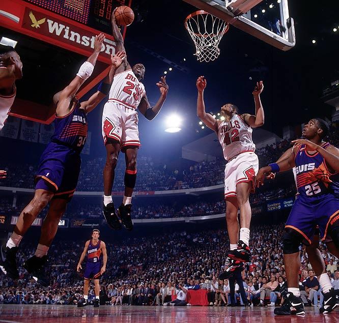 c9d43095e09c DAR Sports  1993 NBA Finals- Phoenix Suns vs Chicago Bulls ...