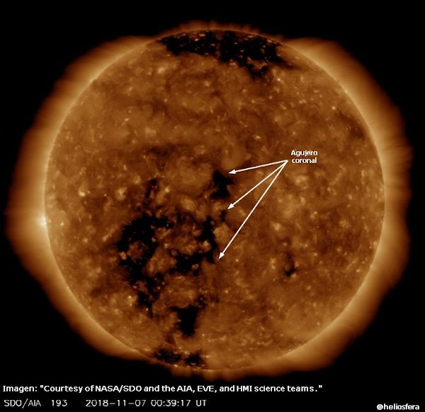 Enorme agujero coronal sobre el sol .