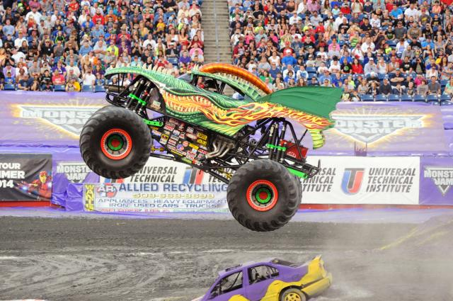#MonsterJam's Dragon driven by Scott Liddycoat