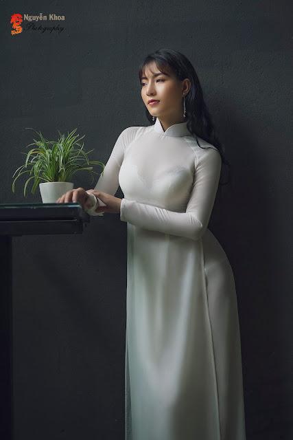The Girl In Áo dài, Look So Hot (4) Bùi Thị Tú Uyên