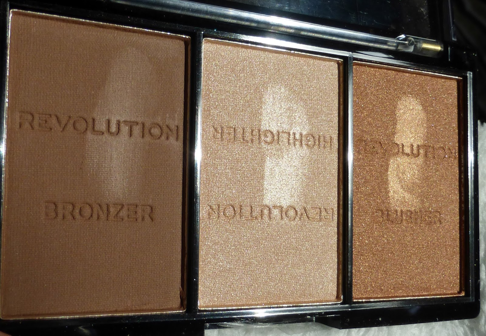 Ultra Bronze Source · Makeup Revolution Ultra Brightening Contour Kit Review Saubhaya Makeup