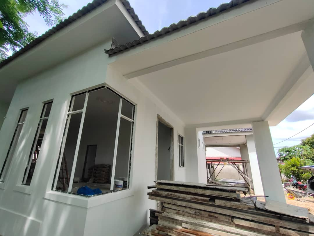 Rumah Semi D Tanjung Chat Bandar Kota Bharu Untuk Dijual (300 Meter Dari Jalan Besar)
