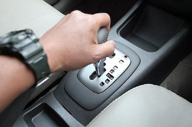 Cara Menggunakan Mobil Matik Dan 4 Hal Yang Harus Dihindari