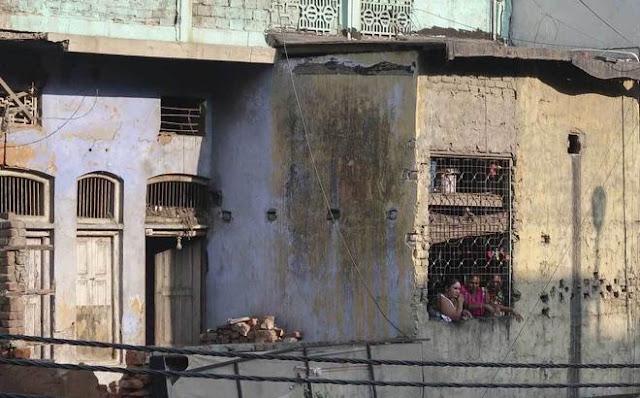 Cuộc đời tủi nhục, không lối thoát của gái mại dâm Ấn Độ