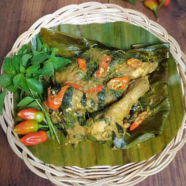 Resep Pepes Ayam Kemangi Enak dan Pedas