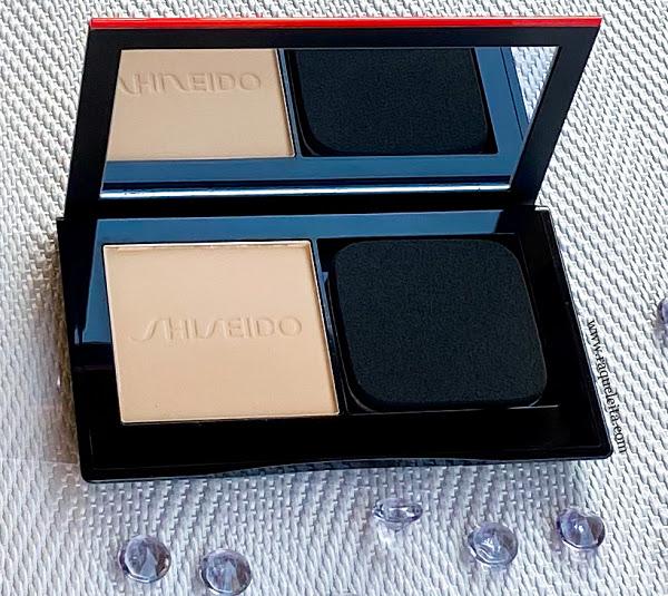 Synchro-Skin-Self-Refreshing-Custom-Finish-Powder-Foundation-abierto