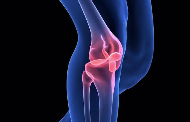 El dolor de rodilla se presenta de muchas formas, pero es un dolor común para los ciclistas.
