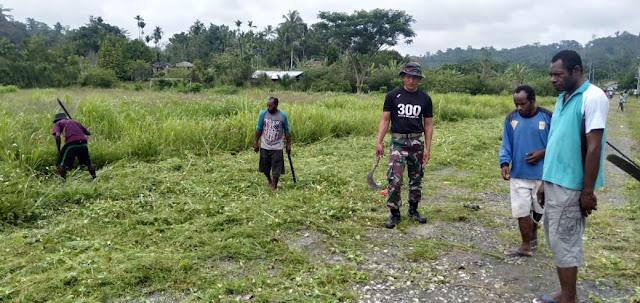 Yonif Raider 300 Mengajak Masyarakat Untuk Melaksanakan Sabtu Bersih