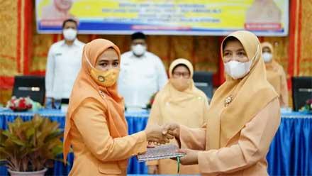 Jabatan Ketua Dharma Wanita Persatuan Padang Pariaman Diserahterimakan