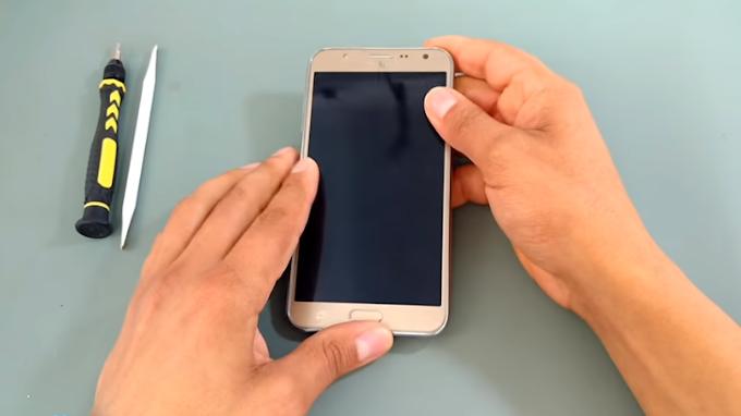 Aprenda Como Desmontar os aparelhos Samsung Galaxy J7 SM J700, J700M, J700H, Metal J710MN.