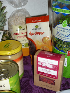 Vegan for fit Vorräte Gojibeeren Amaranth und Aprikosen