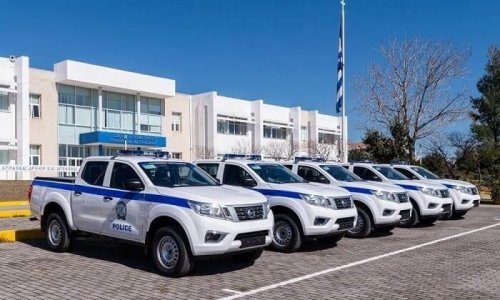 Με 45 νέα οχήματα ενισχύθηκε ο στόλος της Ελληνικής Αστυνομίας τα οποία θα κατανεμηθούν σε όλη την Ελλάδα ώστε να ανανεωθεί ο γηρασμένος και επικίνδυνος στόλος των περιπολικών οχημάτων.