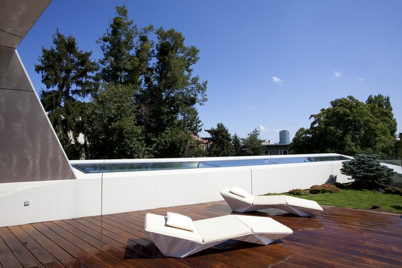 Rooftop terrace on Ultra Modern House by architekti.sk, Slovakia