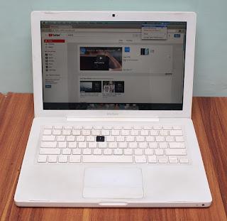 Macbook White 13 Core 2 Duo