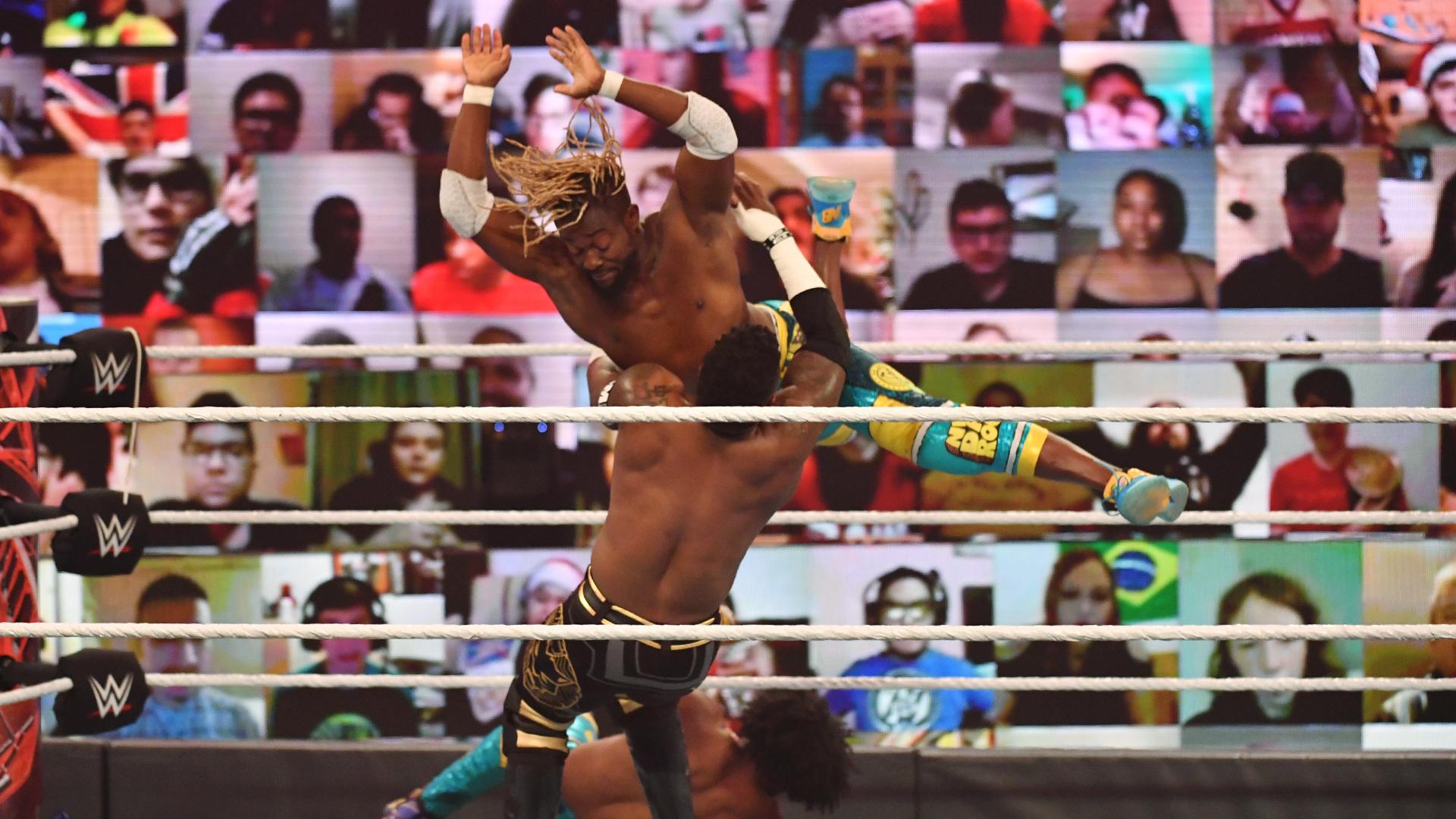 Kofi Kingston sofreu lesão durante o WWE TLC
