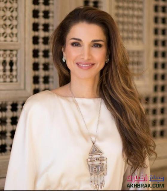 رانيا العبدالله هي ملكة الأردن. بما أنها متزوجة من ملك الأردن ، الملكة رانيا معروفة بعملها في مجال التعليم و الاتصال بين الثقافات والصحة والشباب والتمكين العام للمجتمع.