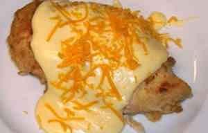 صدور الدجاج بصلصه الجبن