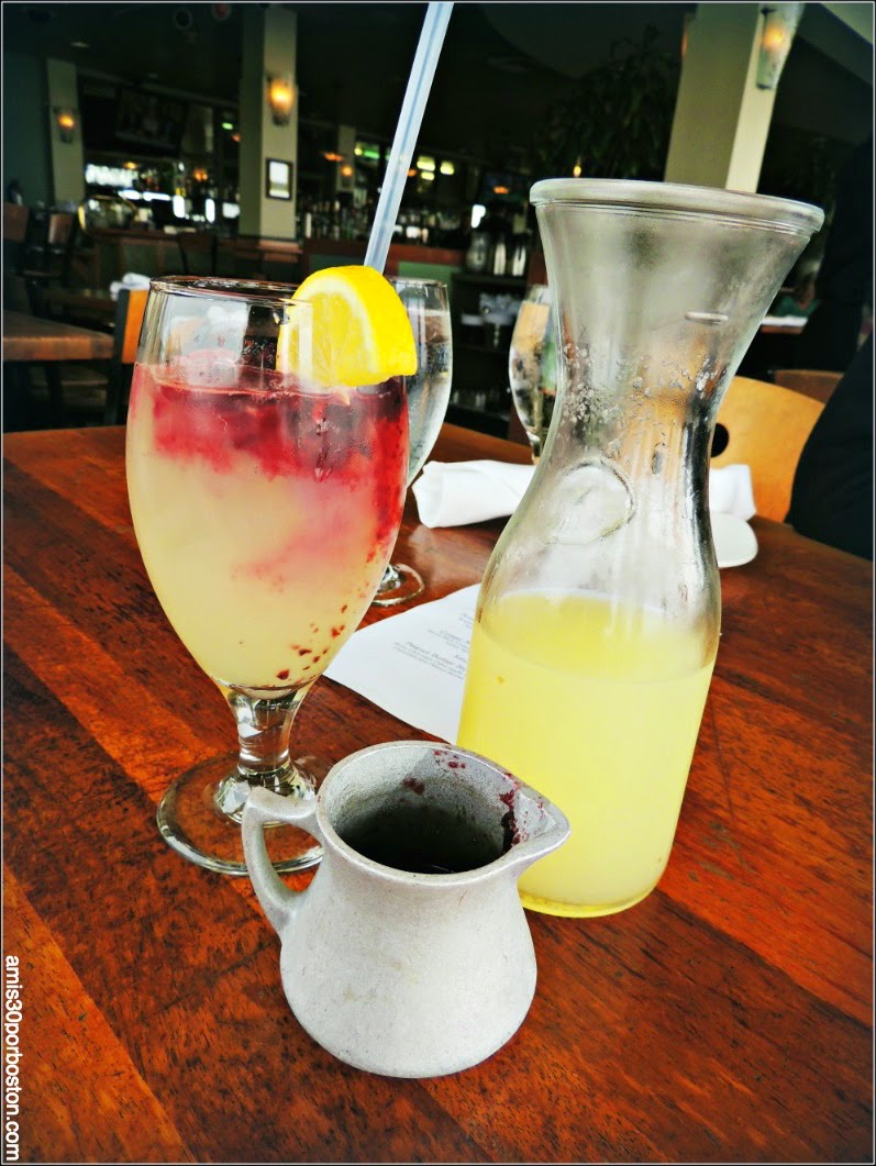The Beach Chalet: Blueberry Pomegranate Lemonade: Pureéd Blueberries, Pomegranate Juice, Housemade Lemonade - $7